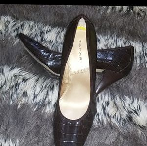 Tahari shoes